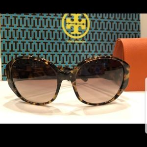 Tory Burch Tortoise Brown Sunglasses 🕶 Shades